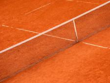 Die Abbildung zeigt einen Tennisplatz