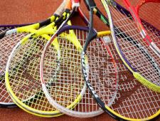 Die Abbildung zeigt Tennisschläger